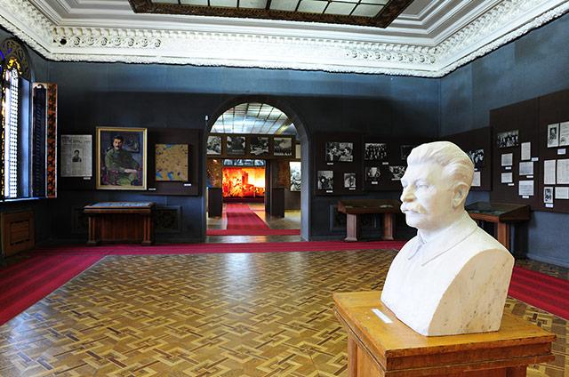 Дом-музей Сталина в Гори