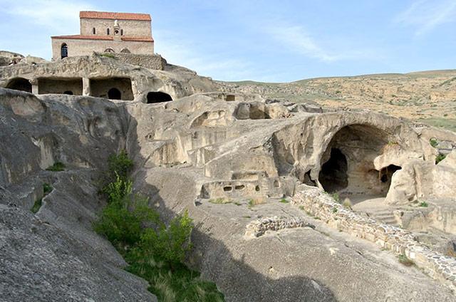 Уплисцихе - город, высеченный в скале